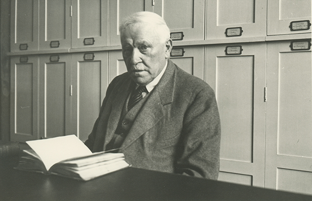 <p>William Jackson Bean (1863–1947), unknown location, August 1939, 17.5 × 12.5 cm, photograph by Francis Ballard, HI Archives portrait no. 1, reproduced by permission of the photographer.</p>