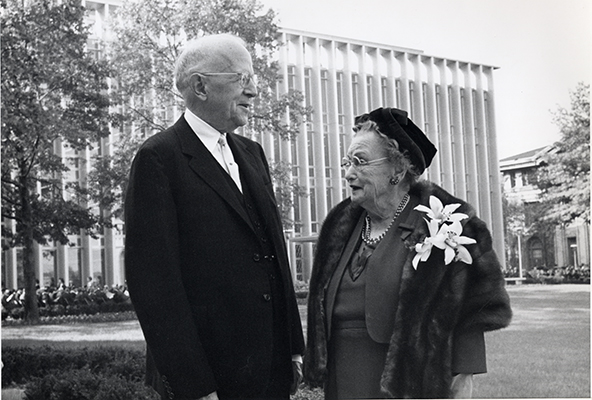 <p>Roy (1881–1966) and Rachel (1882–1963) Hunt, with Hunt Library in the background, Dedication Day exercises, 10 October 1961, photograph by an unknown photographer, HI Archives Institutional Archives collection, Dedication Day October 1961 album, photo 1.</p>